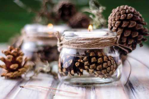 Новогодние поделки из еловых шишек