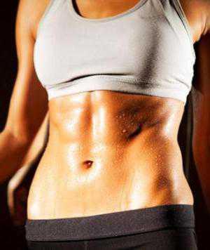 Упражнения на подъем корпуса в первую очередь приведут пресс в тонус, подтянут мускулатуру и дадут ей силы удерживать содержимое живота, не расползаясь в разные стороны