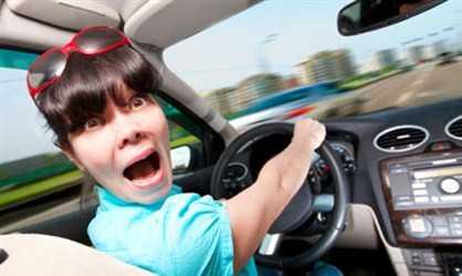 Как научиться водить машину: советы автоледи