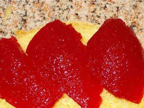 Такой десерт получается очень нежным и однородным, с приятным сливочным вкусом