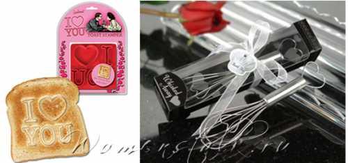 Можно купить или сделать своими руками брелки в виде сердец, которые дополнят любой другой подарок